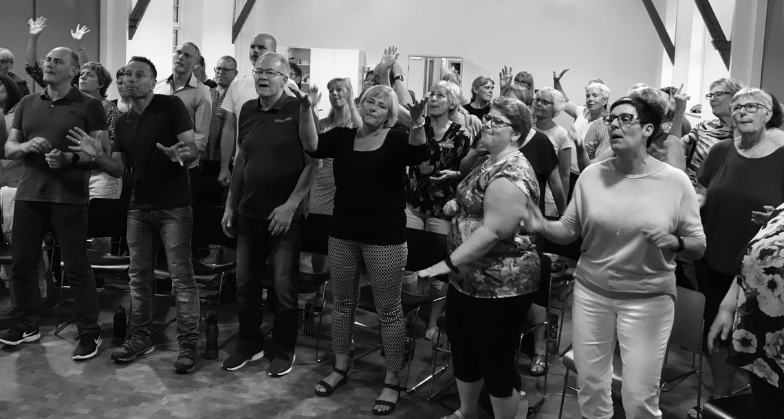 Gospelandagt hos SHOUT Gospel Voices